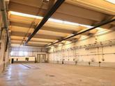 Spirano (BG) in zona industriale capannone di circa 2379,00 mq con piazzale esterno di circa 2.300, 00 mq che serve i 3 lati del capannone. in Vendita
