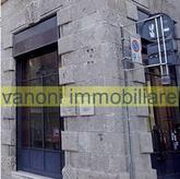 Bergamo in zona centralissima, Negozio in affitto di circa 110,00 mq + magazzino al piano interrato di circa 35,00 mq in Affitto